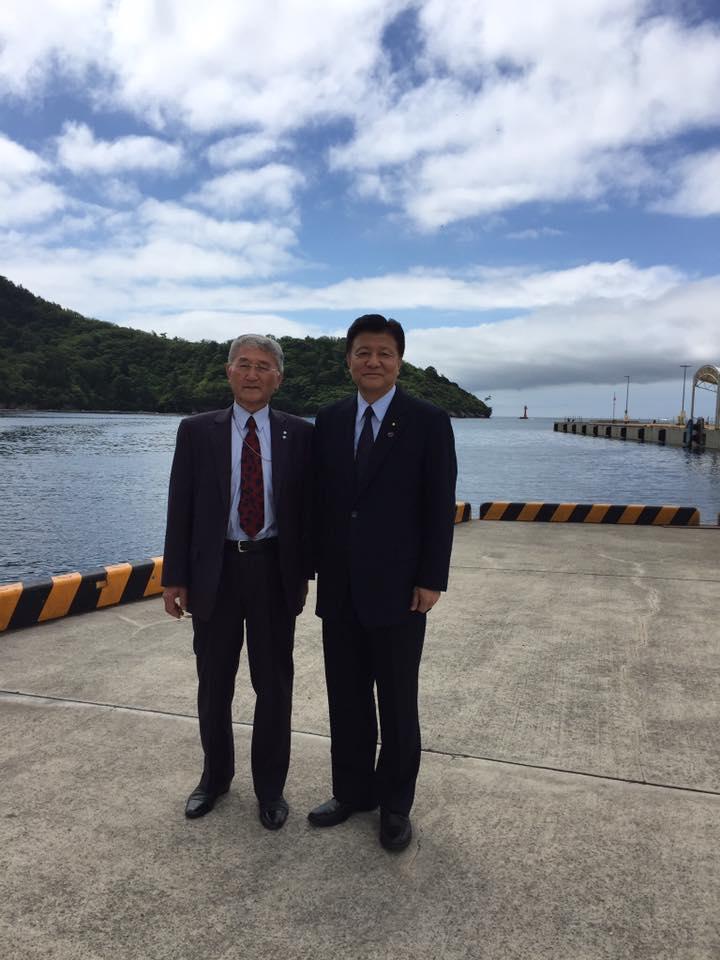 隠岐の島町・松田和久町長の就任以来の粘り強い活動こそが、竹島問題を支えてきました。出迎えから見送りまで本当にお世話になりました。