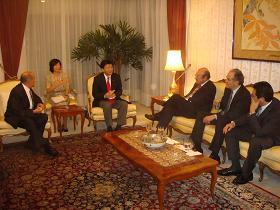 写真。メキシコ元通商産業大臣、メキシコ財界人と意見交換。